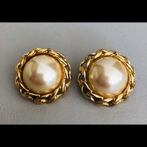 Richelieu Earrings